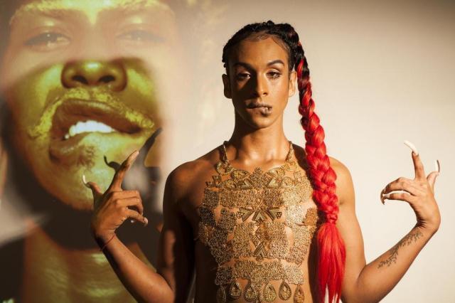 Artista e cantora Linn da Quebrada, terrorista de gênero que faz dos palcos um lugar de resistência. Foto: Vivi Bacco